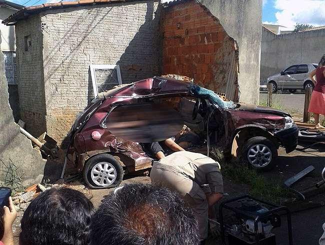 Acidente deixa uma pessoa morta e três feridas em Anápolis
