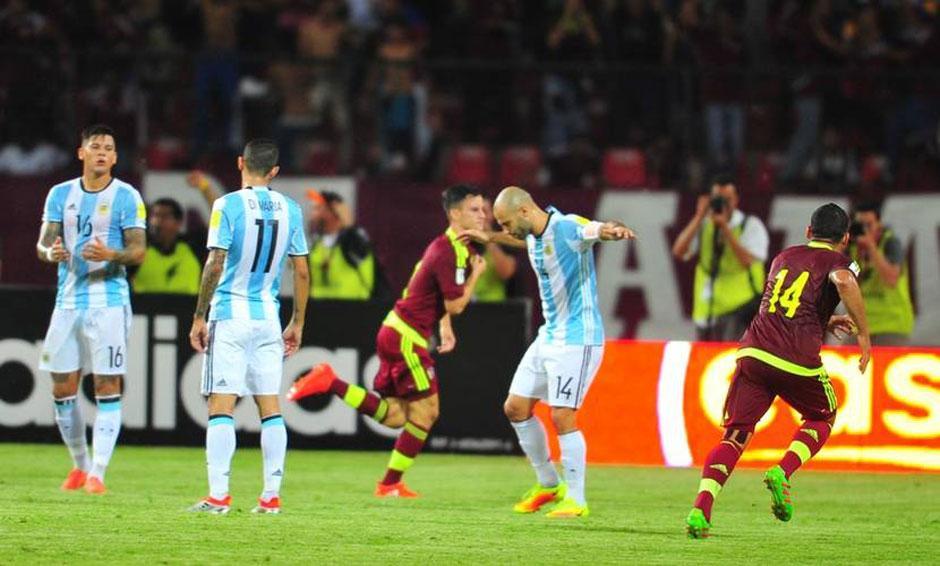 Sem Messi, Argentina leva susto e arranca empate com a Venezuela por 2 a 2