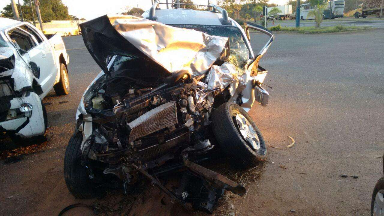Homem morre em colisão frontal na BR-153, entre Jaraguá e Anápolis