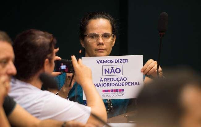 PEC que reduz maioridade penal é inconstitucional, ressalta relator