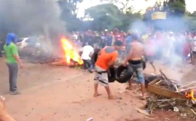 Protesto contra aumento de passagem reúne cerca 500 pessoas em Santo Antonio do Descoberto