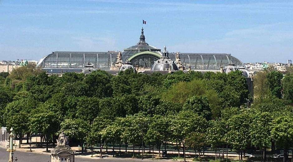 Após inundação recuar, Museu em Paris é reaberto