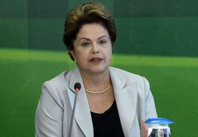 Dilma divulga nota em que lamenta morte de Campos
