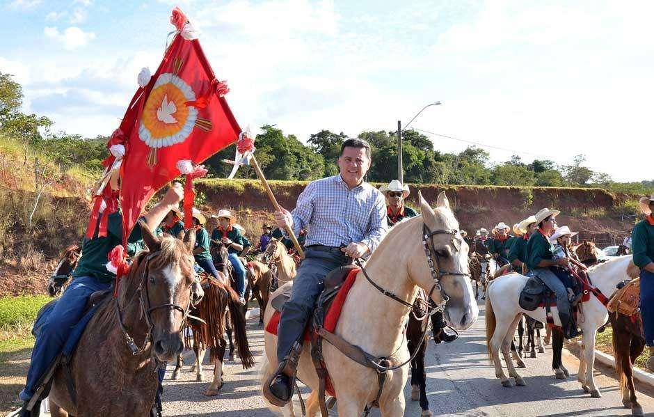 Marconi participa do encerramento da Folia do Divino em Pirenópolis