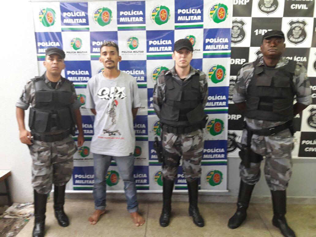 Homem é preso por suspeita de furtar o próprio vizinho, em Goiânia