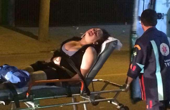 Mulher entra em coma após levar bolada durante evento