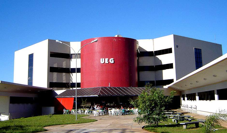 Juíza determina que UEG deverá matricular alunos de escolas ocupadas