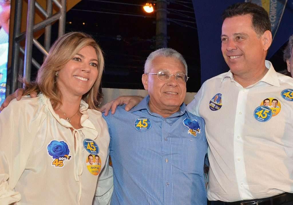 Com Marconi, Valéria Perillo comemora  atendimento a 800 mil famílias pela OVG