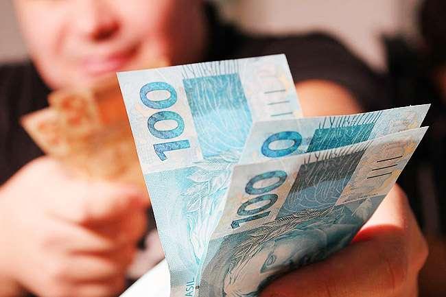 Lei amplia para 35% limite de crédito consignado