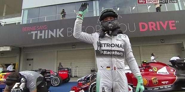 Rosberg supera Hamilton e fatura pole; Massa é 4º