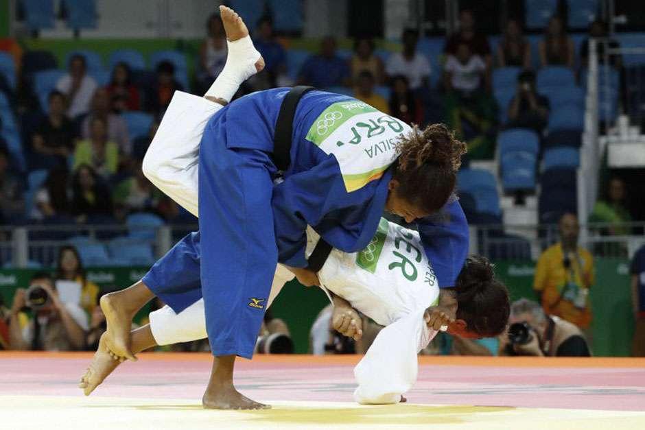 Rafaela Silva vence alemã em eliminatória