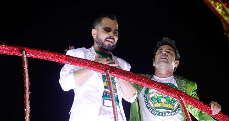 Zezé di Camargo e Luciano são homenageados pela Imperatriz