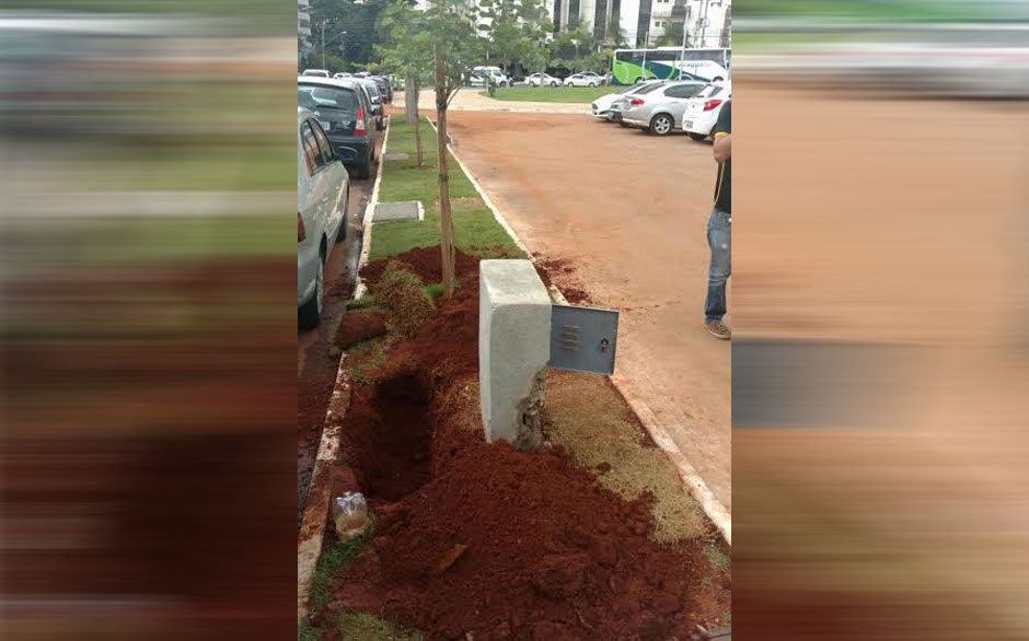 Prefeitura fiscaliza nova Praça do Sol para retirada de hidrômetro clandestino