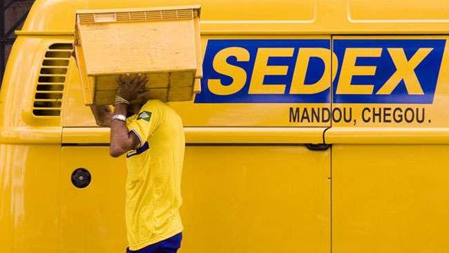 Correios entregam panfletos de Dilma em SP