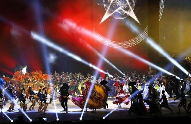 Cerimônia com Cirque du Soleil marca abertura do Pan-Americano de Toronto