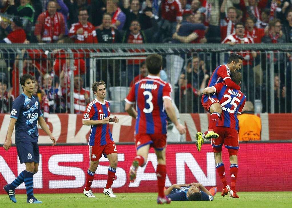 Bayern humilha Porto e passa fácil à semifinal da Liga dos Campeões