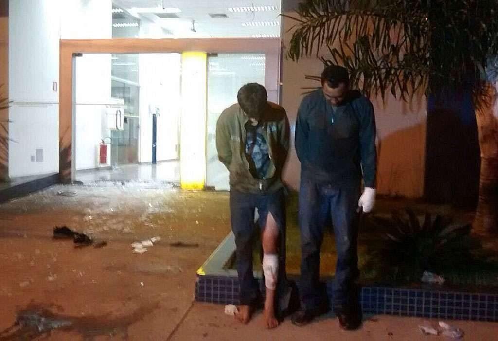 Assaltante é morto e dois são presos durante assalto a caixa eletrônico no Setor Sudoeste