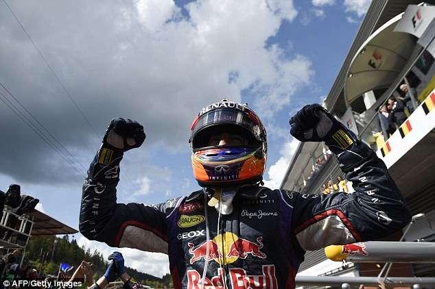 Ricciardo volta a superar Mercedes e vence a 3ª no ano; Massa fica em 13º