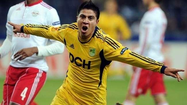 Cristaldo chega ao Brasil para assinar com o Palmeiras