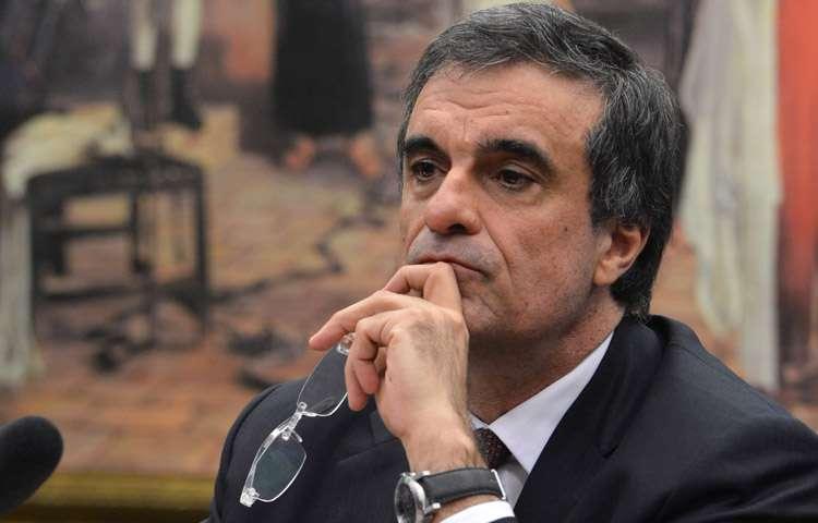 Cardozo diz ter certeza de que Lava Jato não chega a Dilma