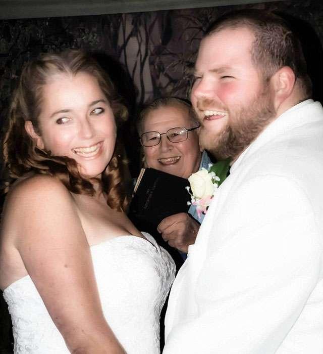Noivo morre em acidente a caminho da festa de seu casamento