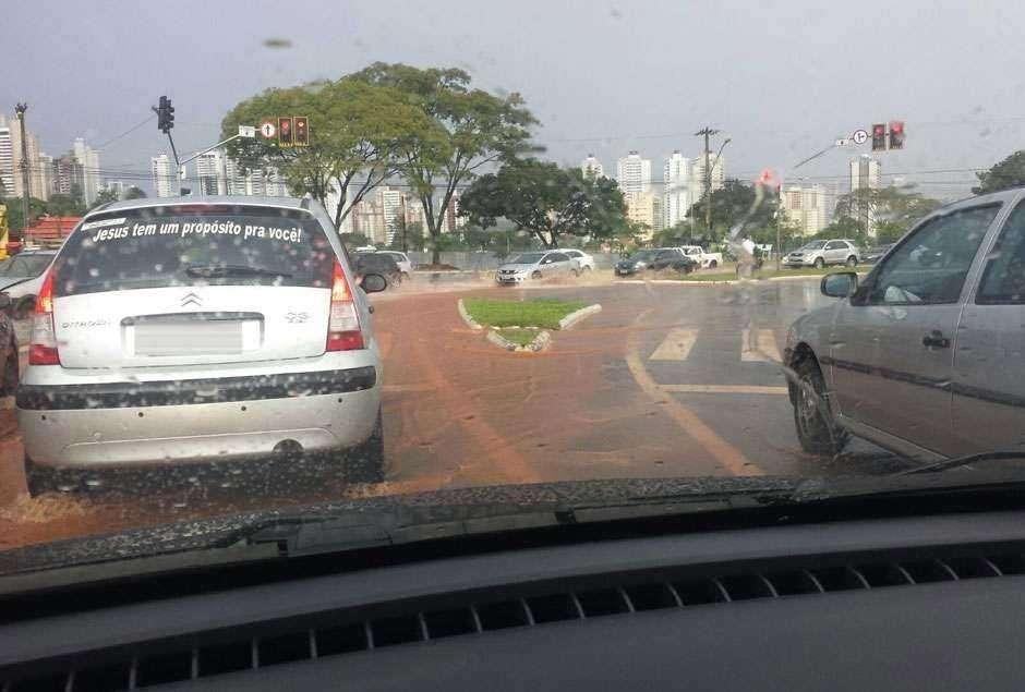 Segunda-feira deve ser de chuva para Goiânia e grande parte do Estado