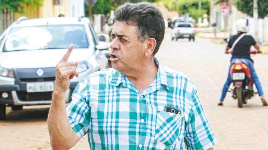 Prefeito de Guapó é preso por posse ilegal de arma de fogo