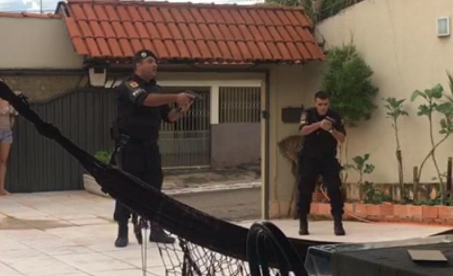 Rotam prende suspeitos de roubos a residências em Goiânia; veja vídeo