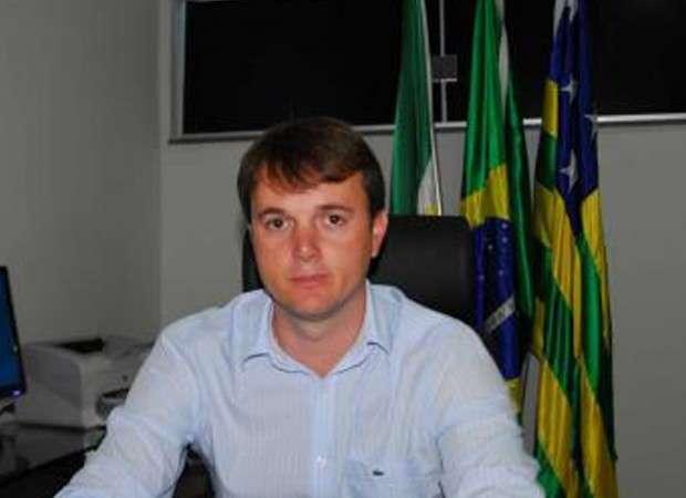Juíza manda afastar prefeito e secretário de Goianira