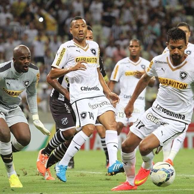 Com gols no fim, Botafogo vira e segue na Copa do Brasil