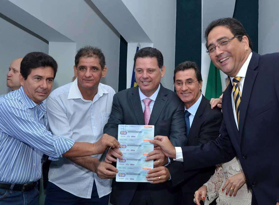 Programa de moradia vai contemplar os 246 municípios