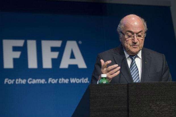 Blatter anuncia renúncia e novas eleições para presidente da Fifa