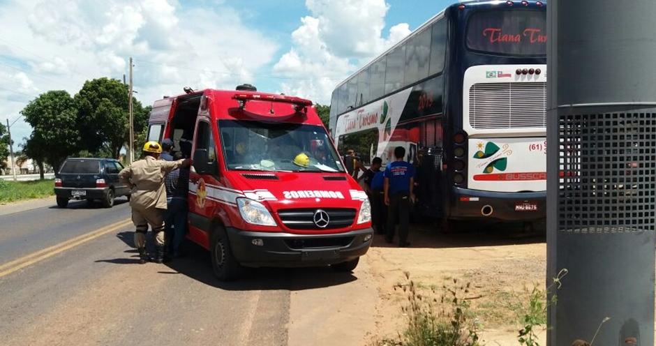 Borracheiro fica ferido ao trocar pneu de ônibus em Caldas Novas