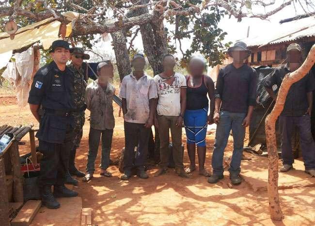Polícia liberta trabalhadores em condições análogas à escravidão