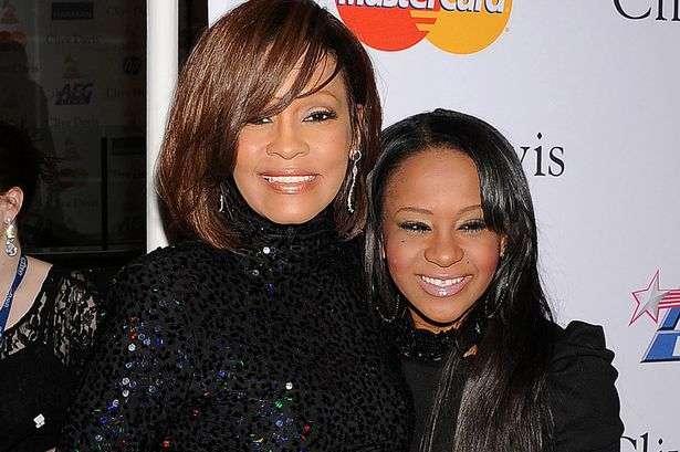 Morre, aos 22 anos, Bobbi Kristina, filha de Whitney Houston