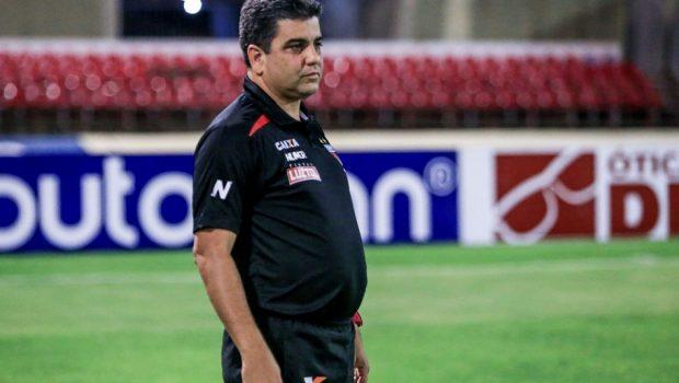 Atlético Goianiense mantém Marcelo Cabo como treinador