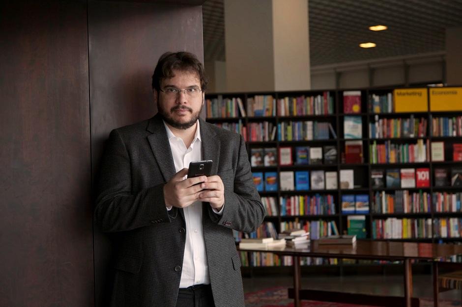 Fernando Palácios dá palestra e autógrafos na Fnac