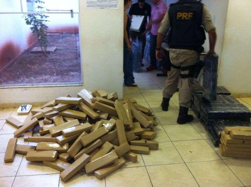 PRF apreende menor com mais de uma tonelada de droga na BR-364