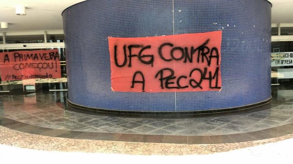 AGU pede reintegração de prédios da UFG ocupados por estudantes