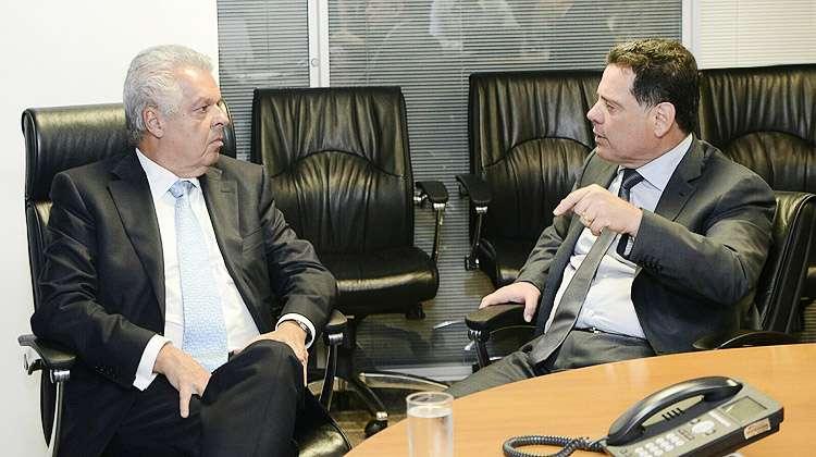 """Marconi pede """"prioridade absoluta"""" para construção de trem de passageiros ligando Goiânia a Brasília"""