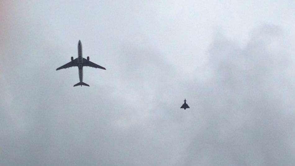 Avião pousa em Manchester após alerta de bomba
