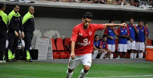 Vila faz promoção e diretoria espera casa cheia contra a Portuguesa
