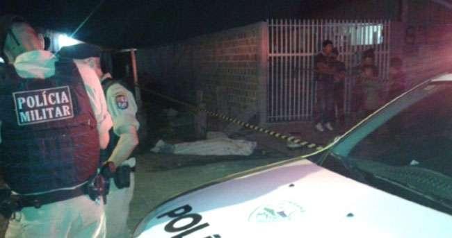 PR: Adolescente é morto na porta de casa depois de chutar cachorro do vizinho