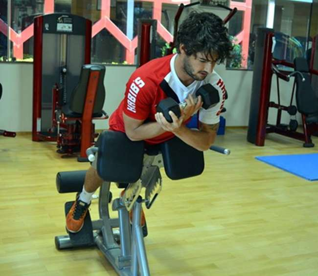 Pato melhora de virose, treina e reforça o São Paulo