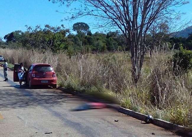 Casal cai de moto e morre atropelado por carro de passeio na GO-480