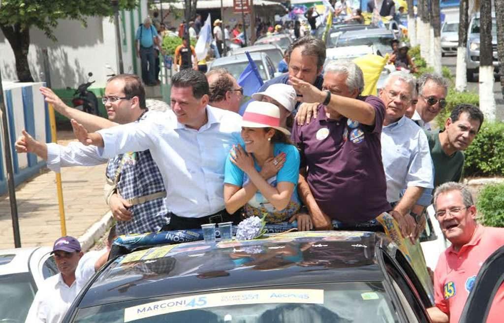Marconi Perillo é recebido com festa na cidade de Pirenópolis