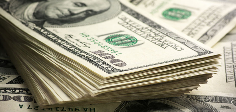 Dólar aproxima-se de R$ 3,45 e fecha no maior valor desde junho