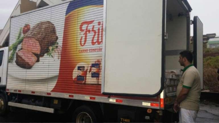 No Paraná, caminhão da Friboi é interceptado com maconha avaliada em R$ 232 mil