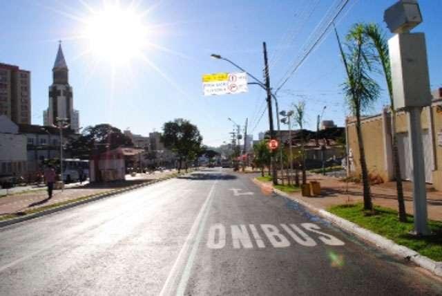 Prefeito Paulo Garcia lança obras do corredor preferencial da Avenida 85