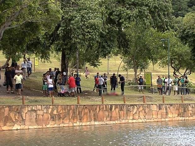 Morador de rua é achado morto às margens do Lago das Rosas